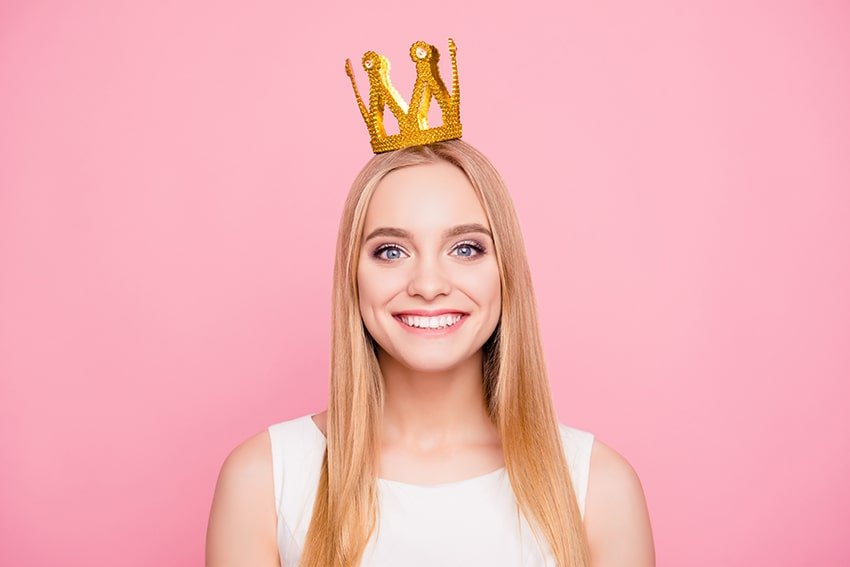Girl with golden crown.